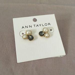 Ann Taylor Faux Pearl & Onyx post earrings